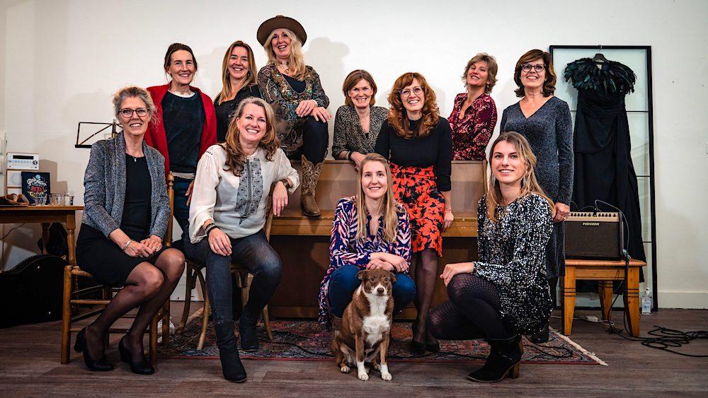 zingen in het muziekatelier in de OldSkoel in Burgerbrug